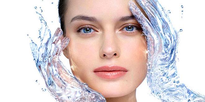 Veja dicas de como controlar a oleosidade da pele e tratar o envelhecimento ao mesmo tempo